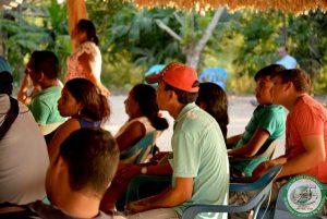 Comunidad participando de pedagogía regional