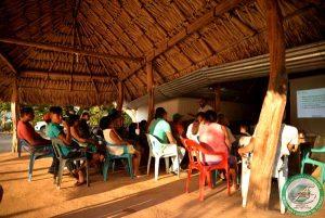 Comunidad participando de pedagogía reional
