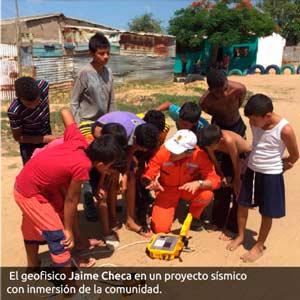 Jaime Checa con la comunidad